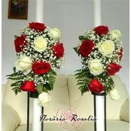 Lumanari aranjament lateral cu trandafiri
