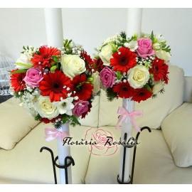 Lumanari trandafiri, gerbera, frezii si alstroemeria