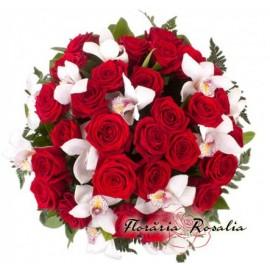 Buchet mare cu trandafiri si orhidee