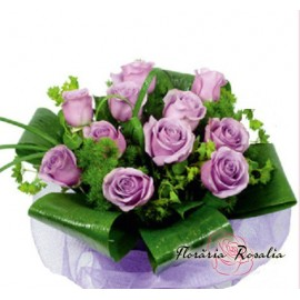Buchet 11 trandafiri mov