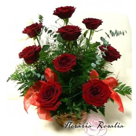 Cos 9 trandafiri rosii