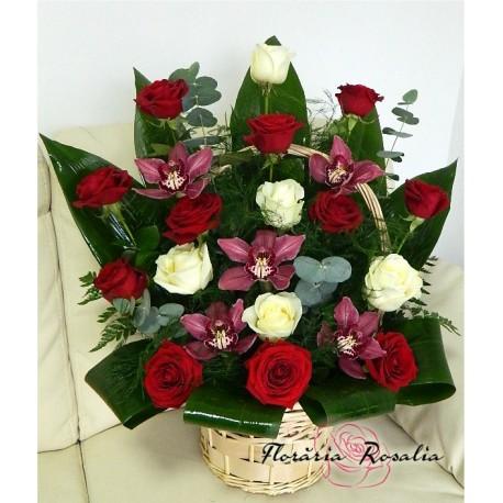 Cos 5 orhidee si 16 trandafiri