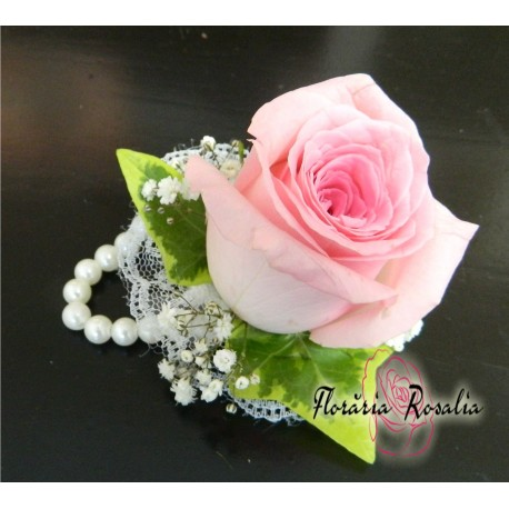 Corsaj pe margele cu trandafir roz
