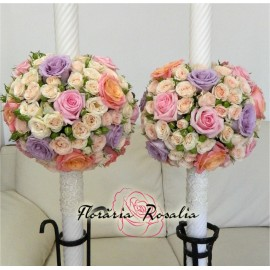 Lumanari cu trandafiri multicolori si miniroze