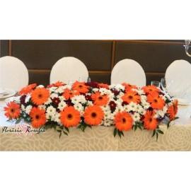 Aranjamet prezidiu cu gerbera si crizanteme