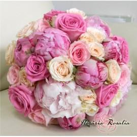 Buchet bujori, miniroze si trandafiri