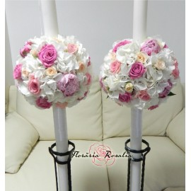 Lumanari cu hortensii albe, trandafiri si bujori