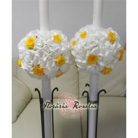 Lumanari cu hortensii albe, trandafiri galbeni