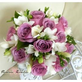 Buchet 11 trandafiri mov, 10 frezii