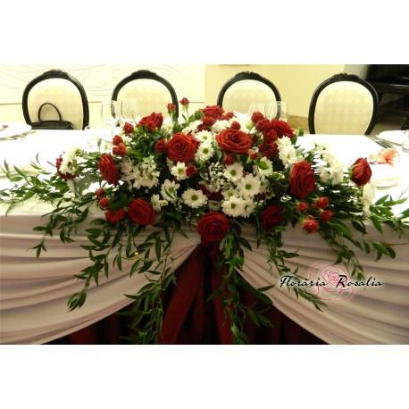 Aranjament trandafiri, miniroze si crizanteme albe