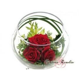 Aranjament 3 trandafiri conservati in bol