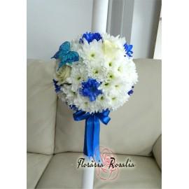 Lumanate botez cu trandafiri si crizanteme albe si albastre
