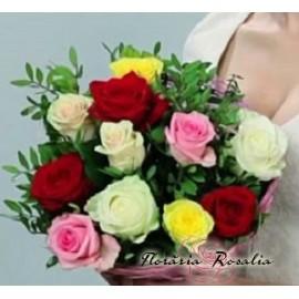 Buchet 11 trandafiri multicolori
