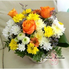 Cos 3 trandafiri si crizanteme