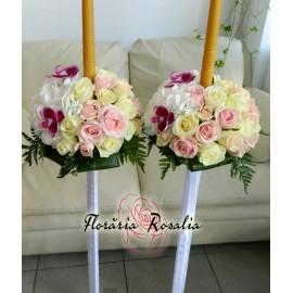 Lumanari cu 25 trandafiri, hortensii si orhidee