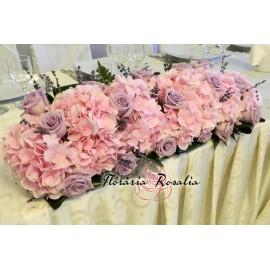 Aranjament prezidiu cu hortensii, trandafiri, lavanda