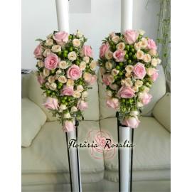 Lumanari laterale cu trandafiri, miniroze si hypericum