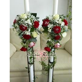 Lumanari curgatoare cu 9 trandafiri si frezii