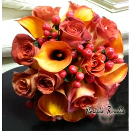 Buchet cu trandafiri, cale si hypericum
