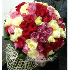 Buchet 105 trandafiri multicolori