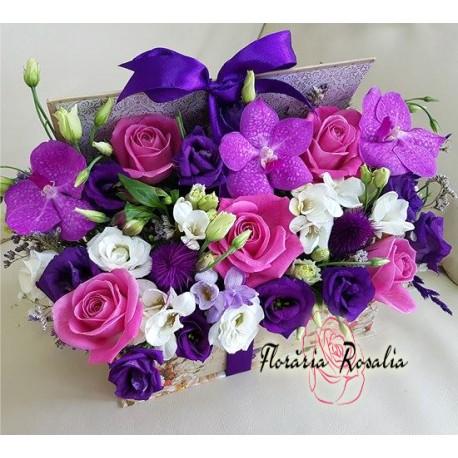 Carte mare cu trandafiri si orhidee