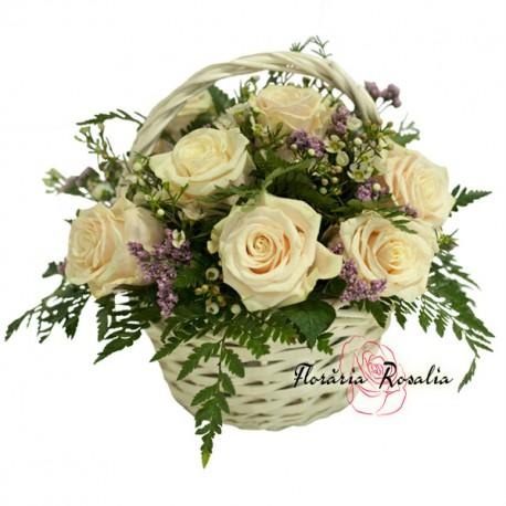 Cos 9 trandafiri albi