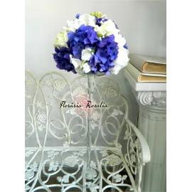 Aranjament cu hortensii in doua culori