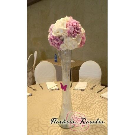 Aranjament cu hortensii alb-roz