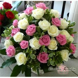 Cos 45 trandafiri albi-roz