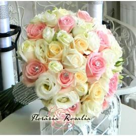 Buchet cu trandafiri si eustoma