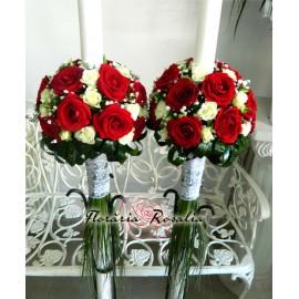 Lumanari cu trandafiri rosii si miniroze albe