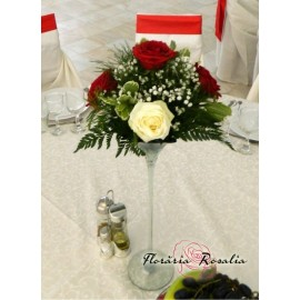 Aranjament cu 5 trandafiri alb-rosii
