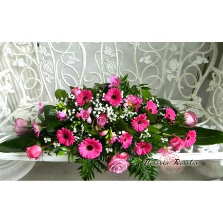 Aranjament cu flori mov