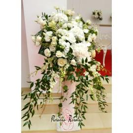 Aranjament coloana cu flori albe