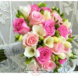Buchet cu trandfiri in 3 nuante de roz