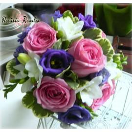Buchet mic cu trandafiri si eustoma