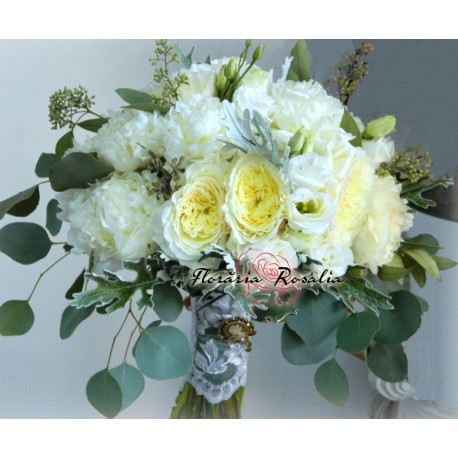 Buchet cu bujori si trandafiri David Austin