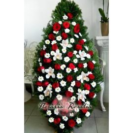 Coroana cu trandafiri, crizanteme, orhidee