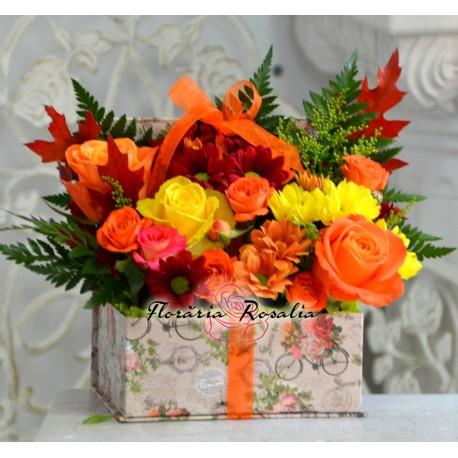 Cutie cu flori de toamna