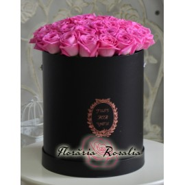 Cutie rotunda cu 29 trandafiri roz