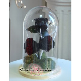 Cupola cu 3 trandafiri negri stabilizati