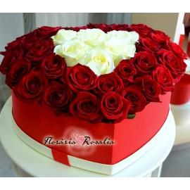 Cutie inima cu 39 trandafiri