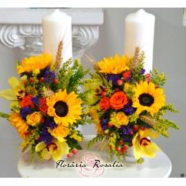 Lumanari scurte cu floarea soarelui si orhidee