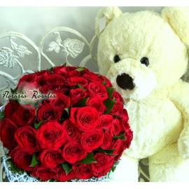 Buchet 43 trandafiri si urs plus urias