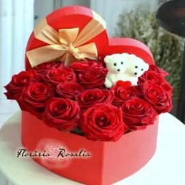 Cutie inima cu 17 trandafiri si ursuleti