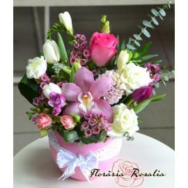 Flori de primavara in bol