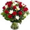 Buchet 19 trandafiri rosii si frezii