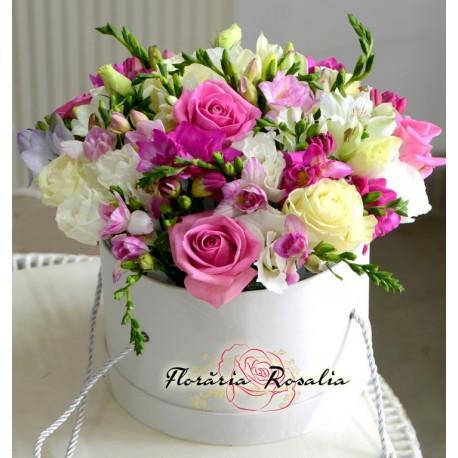 Cutie rotunda cu flori alb-roz