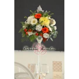 Aranjament elegant cu flori de toamna