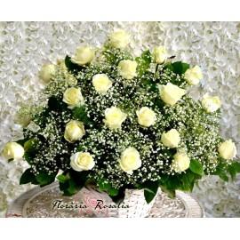 Cos 20 trandafiri albi